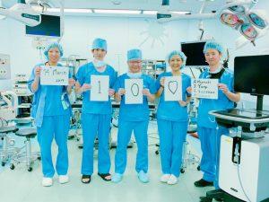 台湾からの訪問 手術室にて
