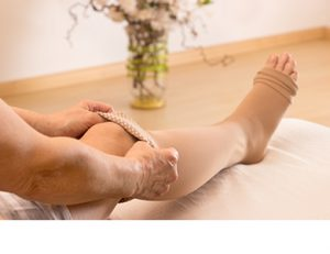 リンパ浮腫《保存的治療》:圧迫療法イメージ