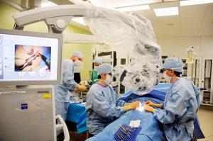 精度の高い顕微鏡下において行うリンパ管静脈吻合術