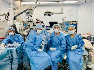 南アフリカ共和国からの見学 手術室にて