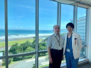 オーストラリアからの見学 亀田総合病院から海を背景に