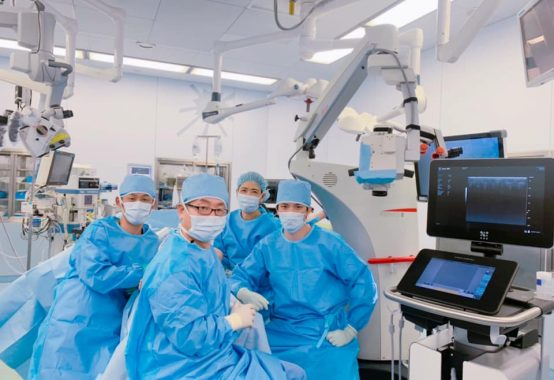 韓国からの見学 手術室にて
