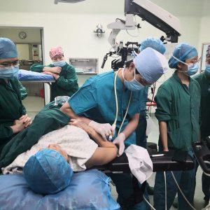 中国福建省での招聘手術 手術中
