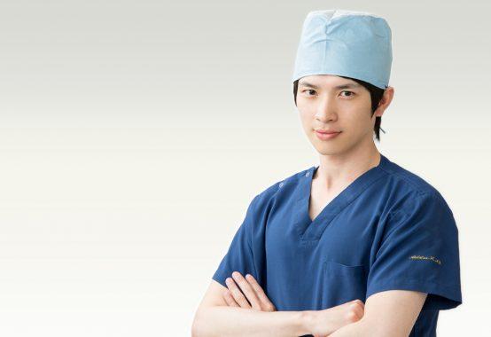 林明辰 手術着
